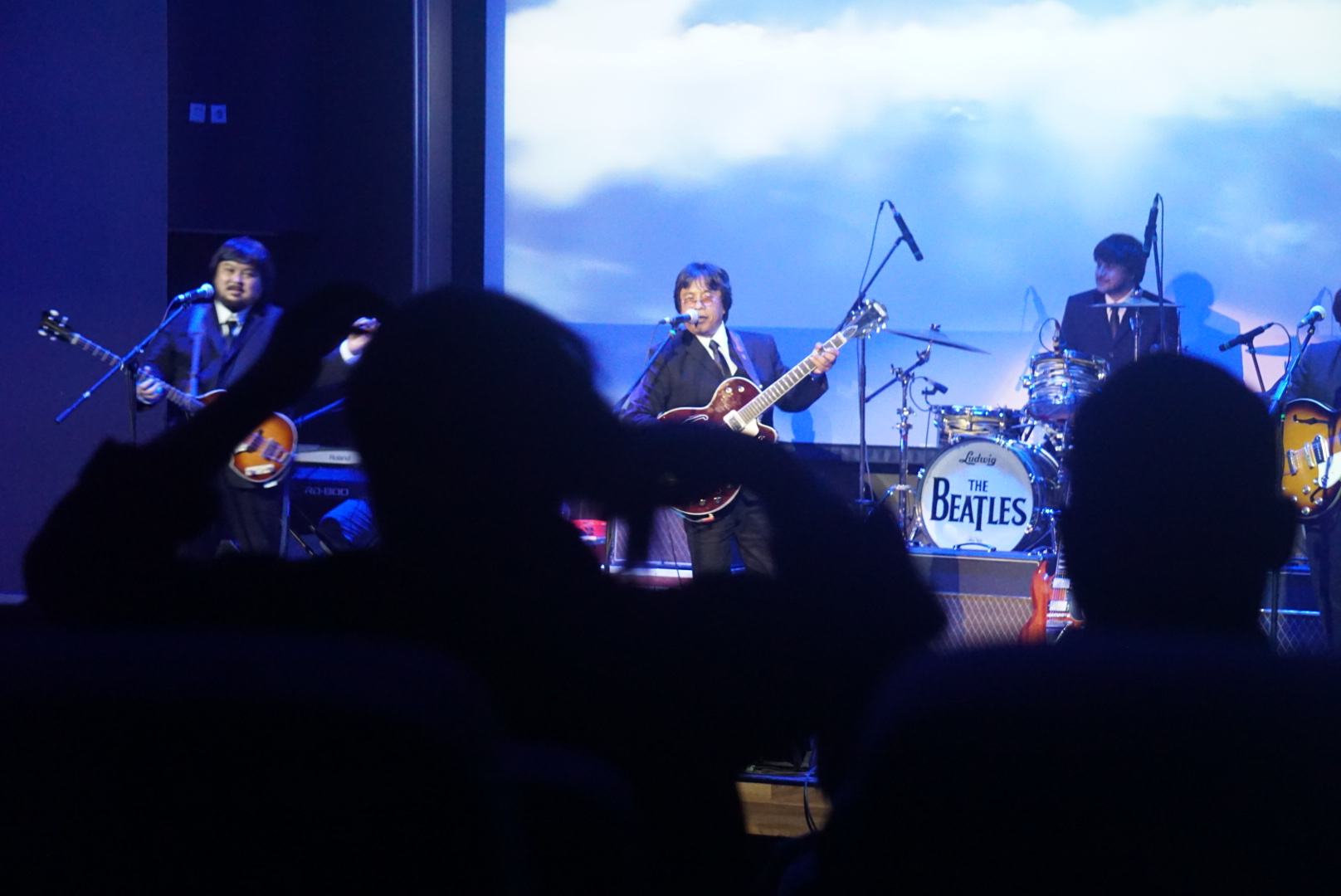 G-Pluck Sukses Hibur Penggemar The Beatles Di Titan Center